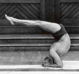 B K S Iyengar pic from www.tribuneindia.com